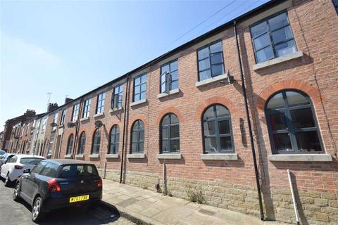 3 bedroom terraced house to rent - Peel Street, Macclesfield