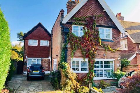 6 bedroom semi-detached house for sale - Albany Road, St Leonards On Sea