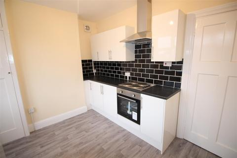 2 bedroom flat to rent - Station Road, Edgware