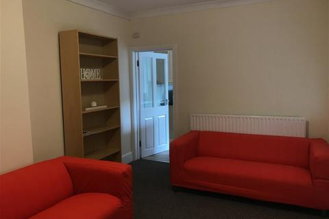6 bedroom house to rent - Carholme Road, Lincoln
