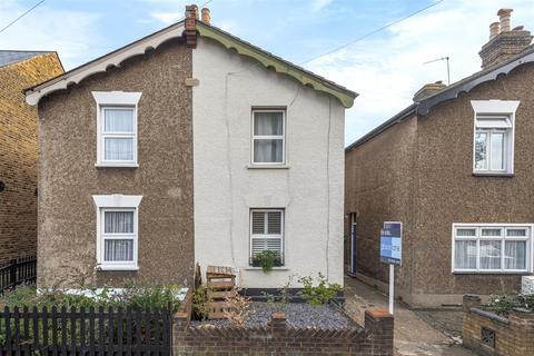 2 bedroom semi-detached house for sale - Vincent Road, Kingston Upon Thames