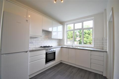 3 bedroom semi-detached house to rent - Princes Park Avenue NW11