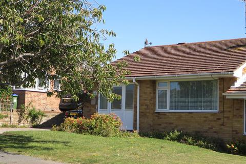 2 bedroom semi-detached bungalow for sale - Lexden Road, Seaford