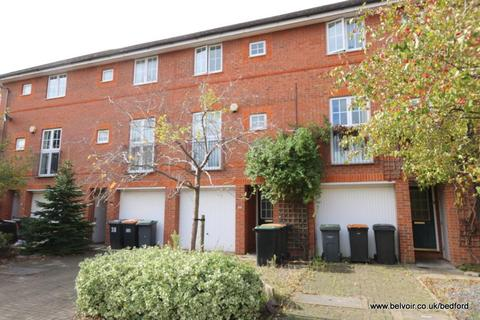3 bedroom townhouse to rent - Ellington Road, Bedford