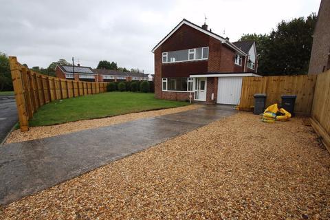 3 bedroom semi-detached house to rent - Paxcroft Way, Trowbridge, Wiltshire, BA14