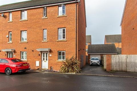 4 bedroom townhouse for sale - Ffordd Nowell, Penylan, Cardiff