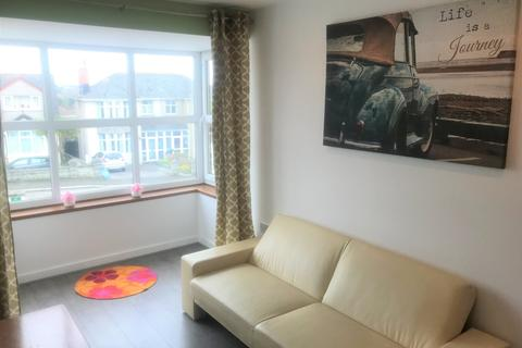 1 bedroom apartment to rent - 5 Carn Brea Apartments