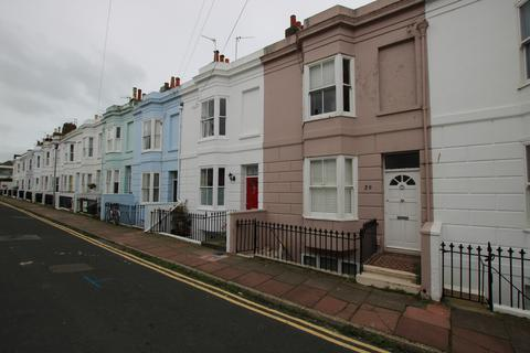 3 bedroom maisonette to rent - College Gardens, Brighton, BN2