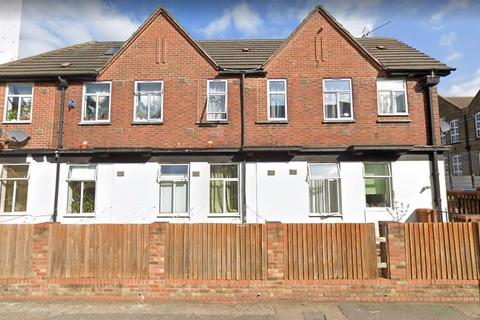 Studio to rent - Osborne Rd, Acton, London W3