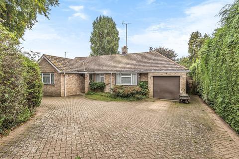 4 bedroom detached bungalow for sale - Shrivenham