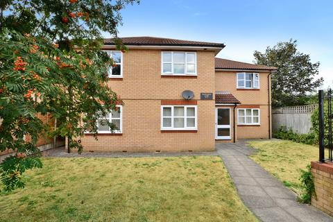 1 bedroom ground floor flat for sale - Sweeps Ditch Close, Staines Upon Thames
