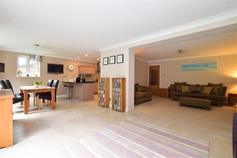 5 bedroom detached house for sale - Phoenix Drive, Wateringbury, Maidstone, Kent