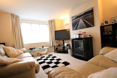 1 bedroom ground floor maisonette to rent - Kent Gardens, Ruislip