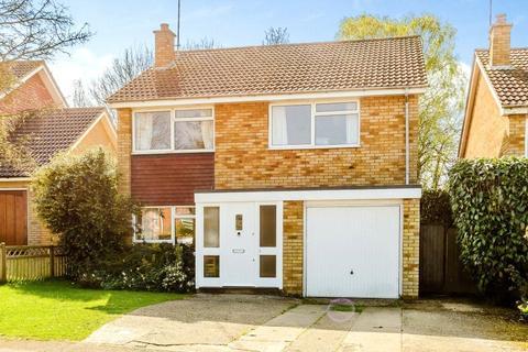 4 bedroom detached house to rent - Derwent Road, Harpenden, Hertfordshire, AL5