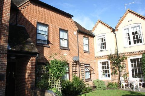 2 bedroom apartment for sale - St. Andrew Court, Downing Street, Farnham, Surrey, GU9