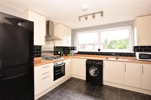 2 bedroom maisonette for sale - Thorne Close, Erith, Kent