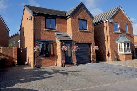 3 bedroom detached house for sale - Meadowfield,