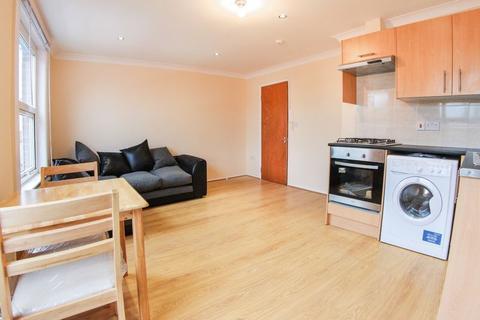 1 bedroom apartment to rent - Balls Pond Road, Dalston