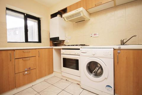 2 bedroom flat to rent - Lancaster Drive