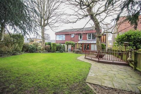 2 bedroom apartment for sale - Low Gosforth Court, Melton Park, Newcastle Upon Tyne