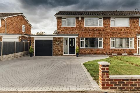 3 bedroom semi-detached house for sale - Birling Avenue, Bearsted, Maidstone