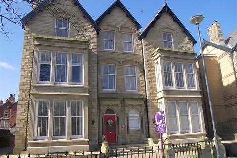 2 bedroom apartment to rent - St Georges Square, St Annes, Lancashire