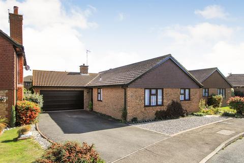 3 bedroom detached bungalow to rent - Beechcroft, Chestfield, Whitstable