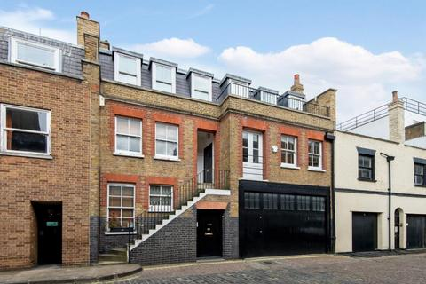 3 bedroom apartment to rent - Weymouth Mews, Marylebone.