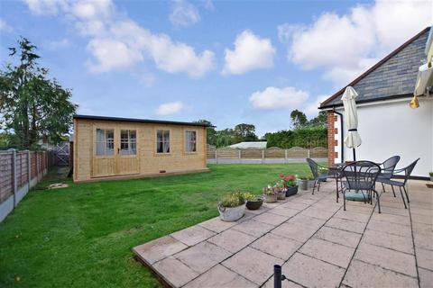 2 bedroom detached bungalow for sale - Ash Road, Hartley, Longfield, Kent