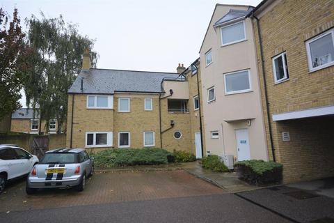 2 bedroom apartment to rent - King George Court, Moulsham Street, Chelmsford, Essex, CM2