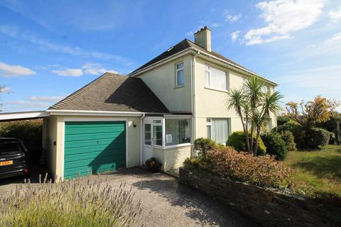 3 bedroom detached house for sale - Bay View Road, Looe