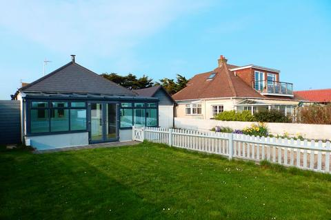 3 bedroom detached bungalow to rent - Old Fort Road, SHOREHAM-BY-SEA, West Sussex, BN43