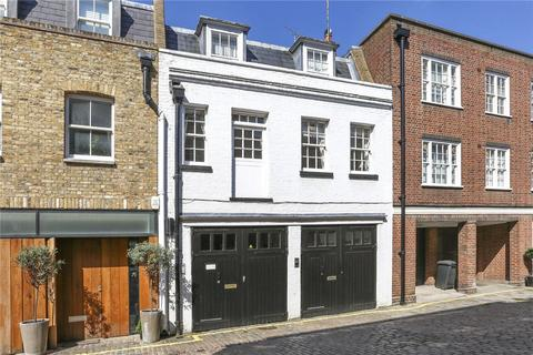 2 bedroom mews to rent - Harley Place, London, W1G
