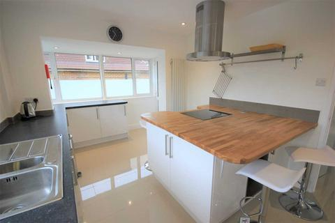 4 bedroom property to rent - Plymouth Avenue, Brighton