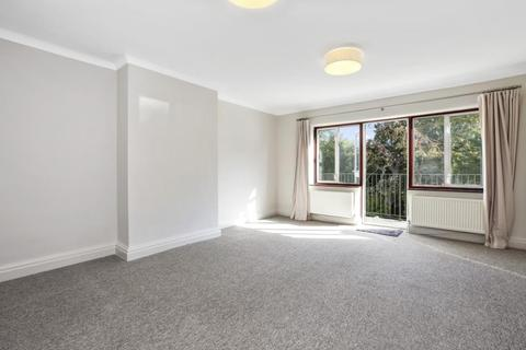 3 bedroom flat to rent - West Heath Drive, Golders Green, NW11