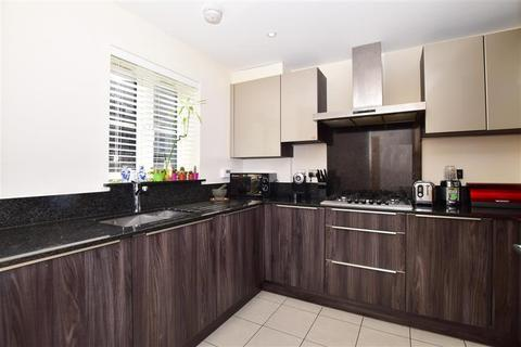 3 bedroom semi-detached house for sale - Dukes Drive, Tunbridge Wells, Kent