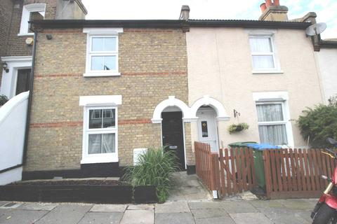 3 bedroom house to rent - Red Lion Lane, Shooter`s Hill, SE18 4LE