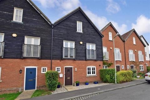 4 bedroom terraced house for sale - Gardners Close, Ash, Canterbury, Kent