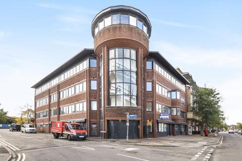 1 bedroom apartment to rent - Spectrum House, Woking, GU21