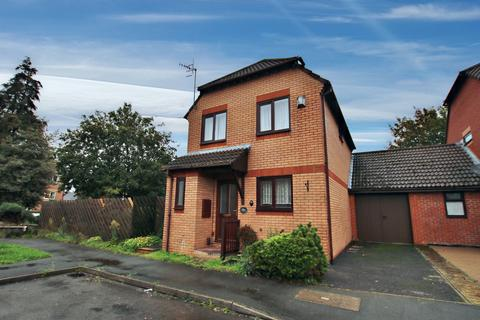3 bedroom detached house for sale - MODERN EXTENDED DETACHED HOUSE CLOSE TO SHIRLEY HIGH STREET