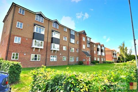 2 bedroom flat for sale - Fisher Close, Enfield, Greater London