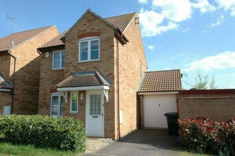 3 bedroom detached house to rent - Mansell Close, Towcester