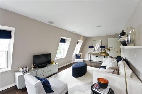 2 bedroom flat to rent - Islington On The Green, 12A Islington Green, Angel, London, N1