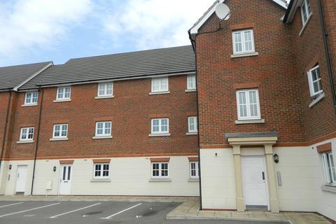 2 bedroom flat to rent - Baden Powell Close, Great Baddow, Chelmsford, CM2 7GA