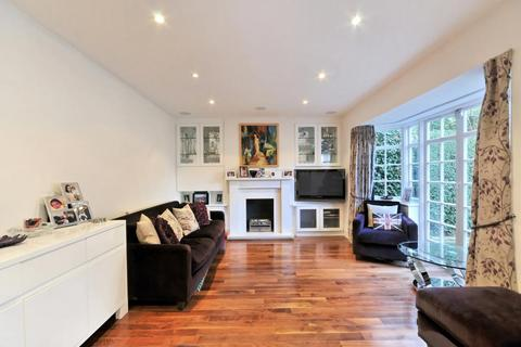3 bedroom flat to rent - Brookland Rise Hampstead Garden Suburb NW11
