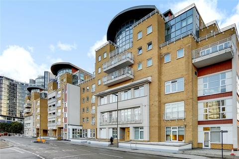 2 bedroom apartment for sale - Oyster Wharf, 18 Lombard Road, London, SW11