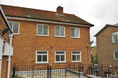 2 bedroom apartment to rent - Crawley Town Centre, West Sussex, RH10