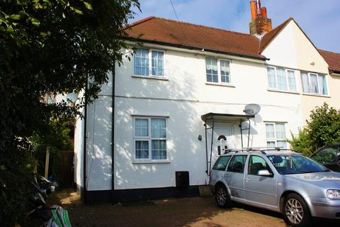 3 bedroom semi-detached house to rent - Theydon Grove, Woodford Green