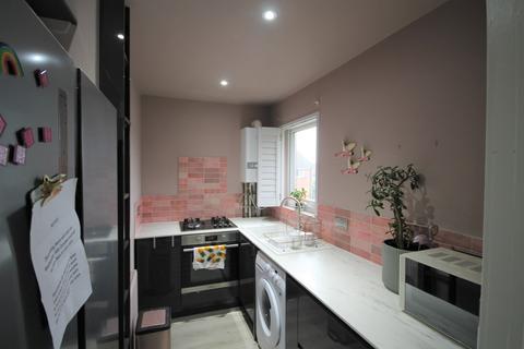 Studio to rent - Lodge Close, Portslade