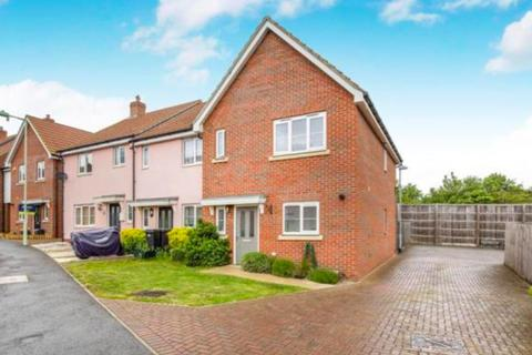 3 bedroom end of terrace house to rent - Buzzard Rise, Stowmarket